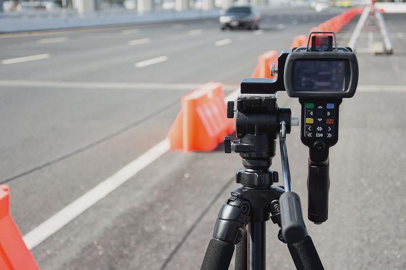 Radarwarner Ratgeber - Laserpistole ermöglicht eine mobile Geschwindigkeitsmessung und wird zunehmend mehr eingesetzt.