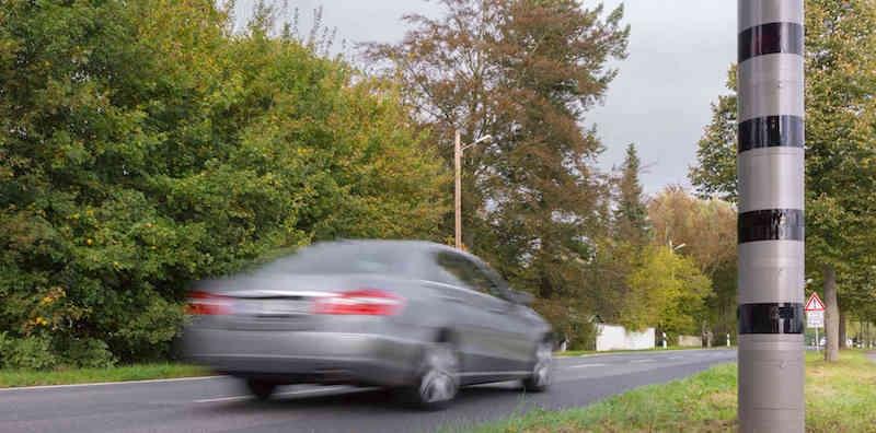 Radarwarner Ratgeber - LIDAR-Messtechnik, hier in Form von stationärer POLISCAN SPEED Säule nehmen auch verstärkt zu. Gute Warnmöglichkeit mittels GPS Warner.