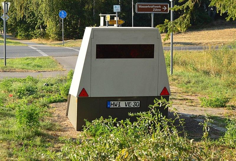 Radarwarner Ratgeber - Der PoliScan Speed ENFORCEMENT TRAILER ist sogar gepanzert und damit nahezu unverwüstlich.