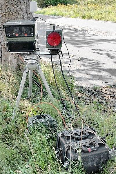 Radarwarner Ratgeber - LIDAR-Messtechnik, hier in Form von mobiler POLISCAN SPEED Anlage. Gute Warnmöglichkeit nur mittels Laserblinder